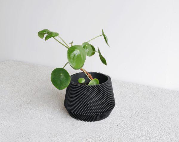 Black Oslo indoor planter